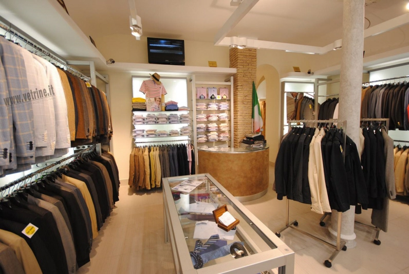 Arredamento attrezzature per negozi gsn centro for Negozi arredamento roma centro